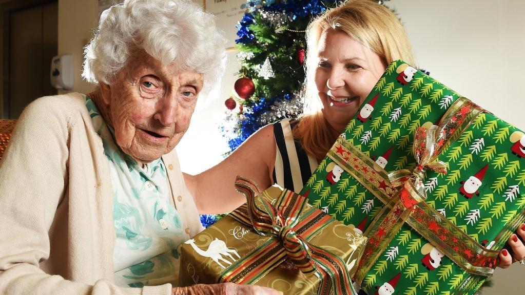 7 Great Gift Ideas for Seniors Living
